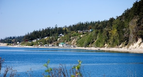 Pulau Camano