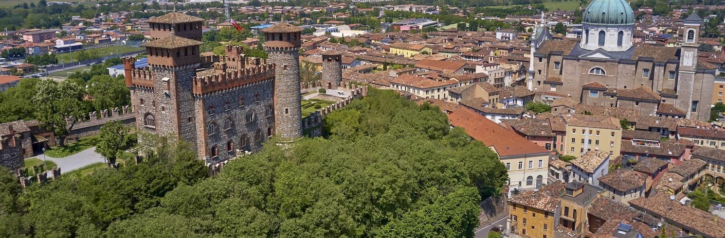 蒙蒂奇亞里, 義大利