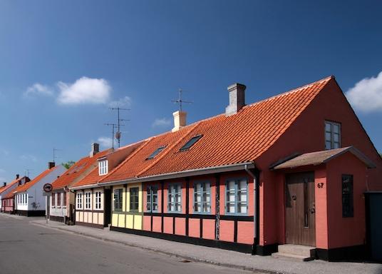 Nexo, Taani