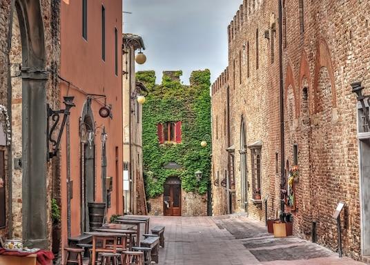 切尔塔尔多, 意大利