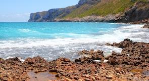 Las Rotas Beach