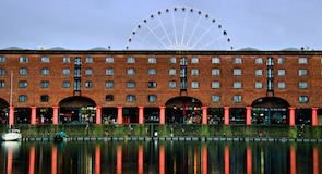 Albert Dock (sadama- ja laohoonete kompleks)