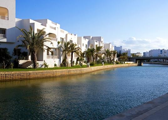 Yasmine, Tunus