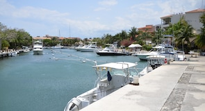 Пуэрто-Авентурас