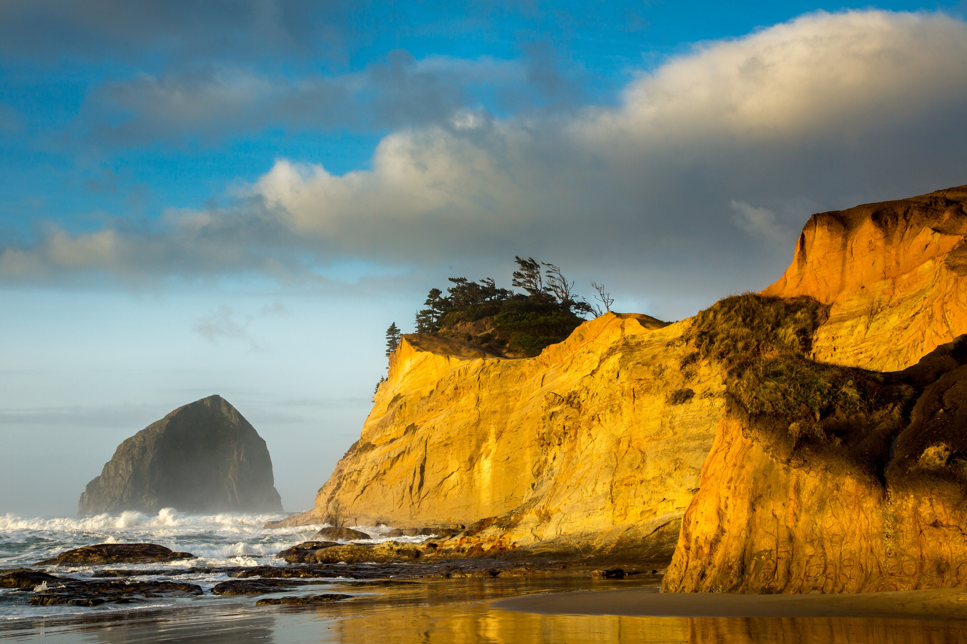 Explore the great outdoors at Cape Kiwanda State Natural Area, a lovely green space in Pacific City. Wander the beautiful beaches in this relaxing area.