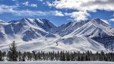 พื้นที่เล่นสกีแมมมอธเมาน์เทน/