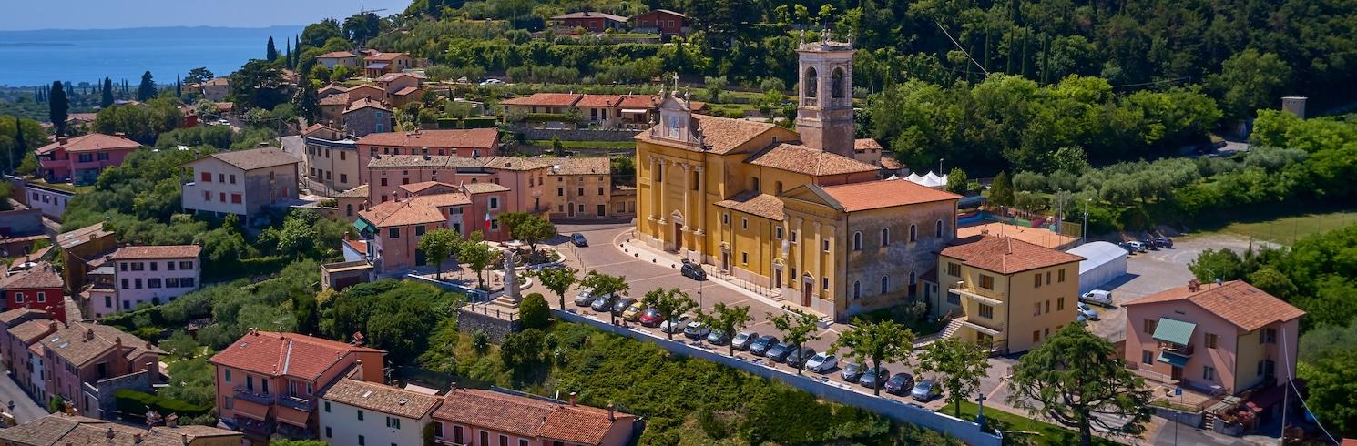 Кавайон, Италия