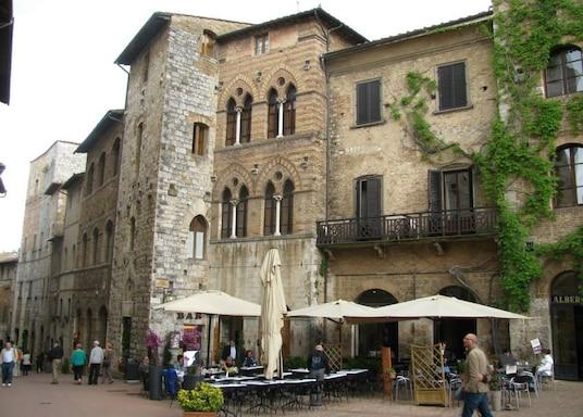 몬테리지오니, 이탈리아