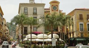 Piazza Tasso (площадь Тассо)
