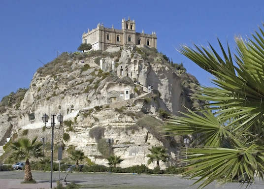 孔韋爾薩諾, 義大利