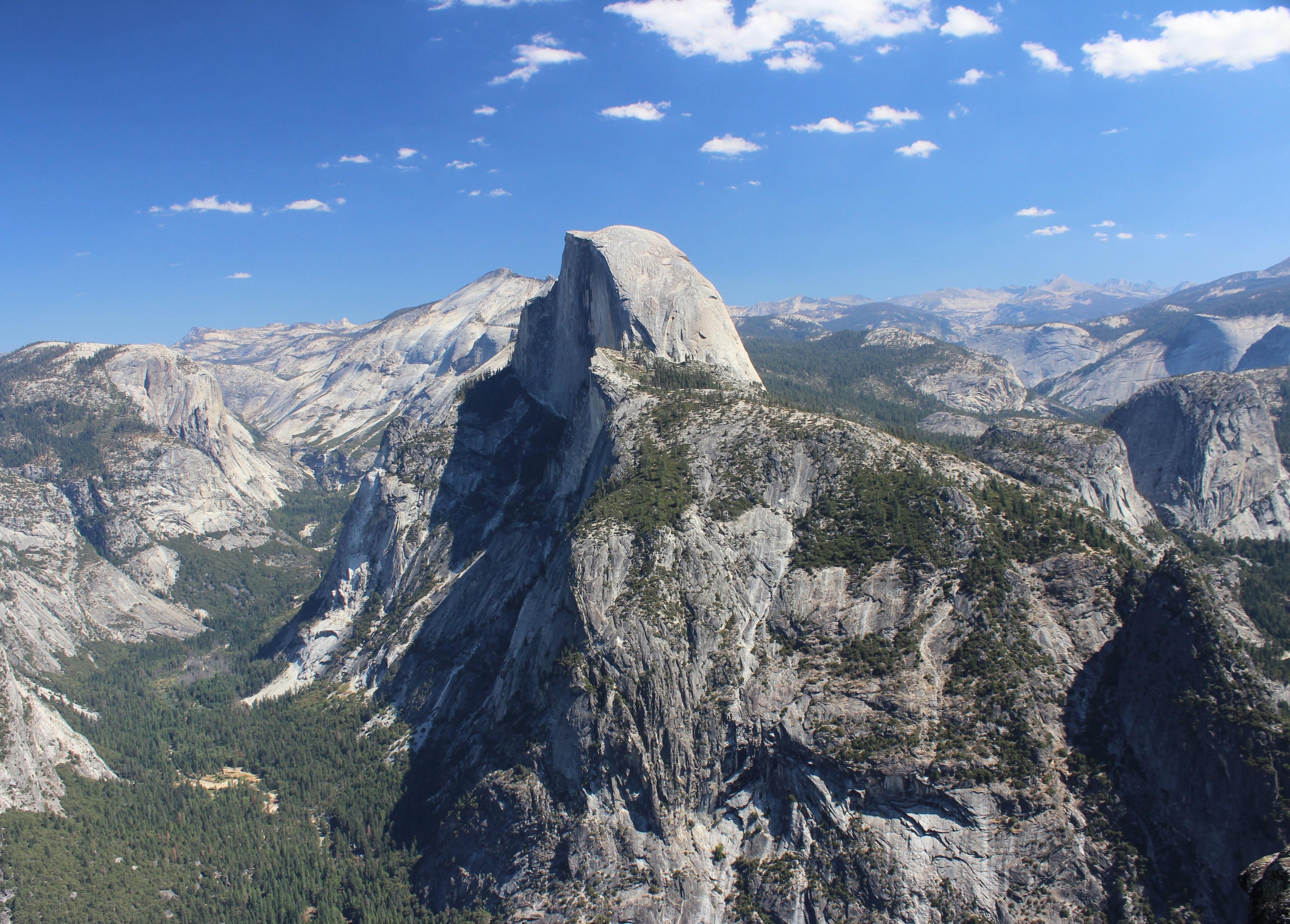 Descubra a história de Half Dome, um dos principais monumentos em Yosemite National Park. Enquanto estiver no local, percorra a zona ribeirinha ou confira as trilhas para caminhada.