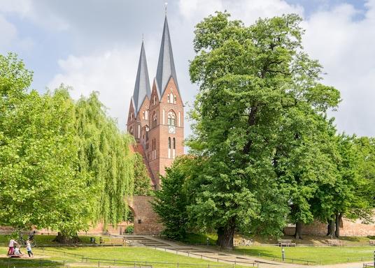 诺伊鲁平, 德国