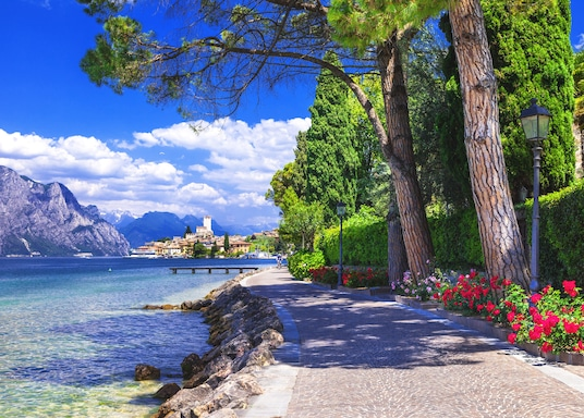 Malčezīne, Itālija