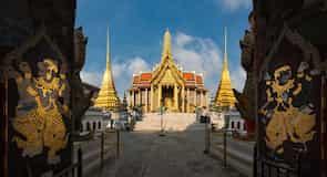 Wat Phra Kaeo (Temple of the Emerald Buddha)
