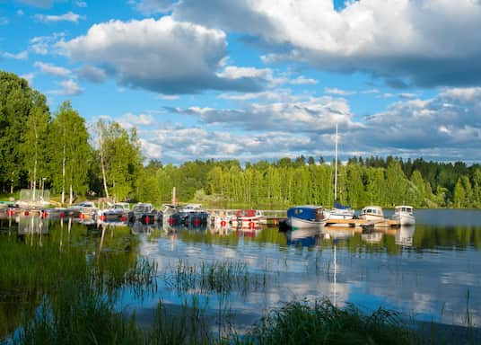猶瓦斯庫拉, 芬蘭