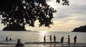 Пляж Телук-Ніпах