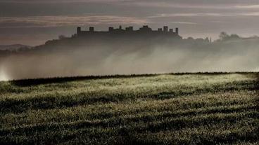蒙特里久尼城堡/