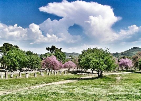 麥加拉, 希臘