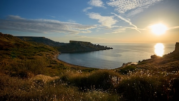 Għajn