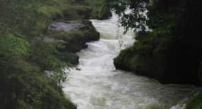 Air Terjun Devi