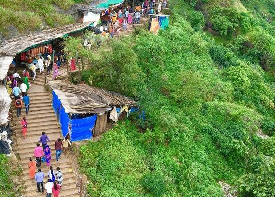 ฮาโลล, อินเดีย