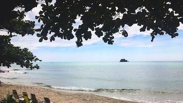 湄平岬海滩/