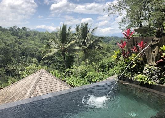 Kedewatan, Indonesien