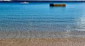 Pantai Emily Bay