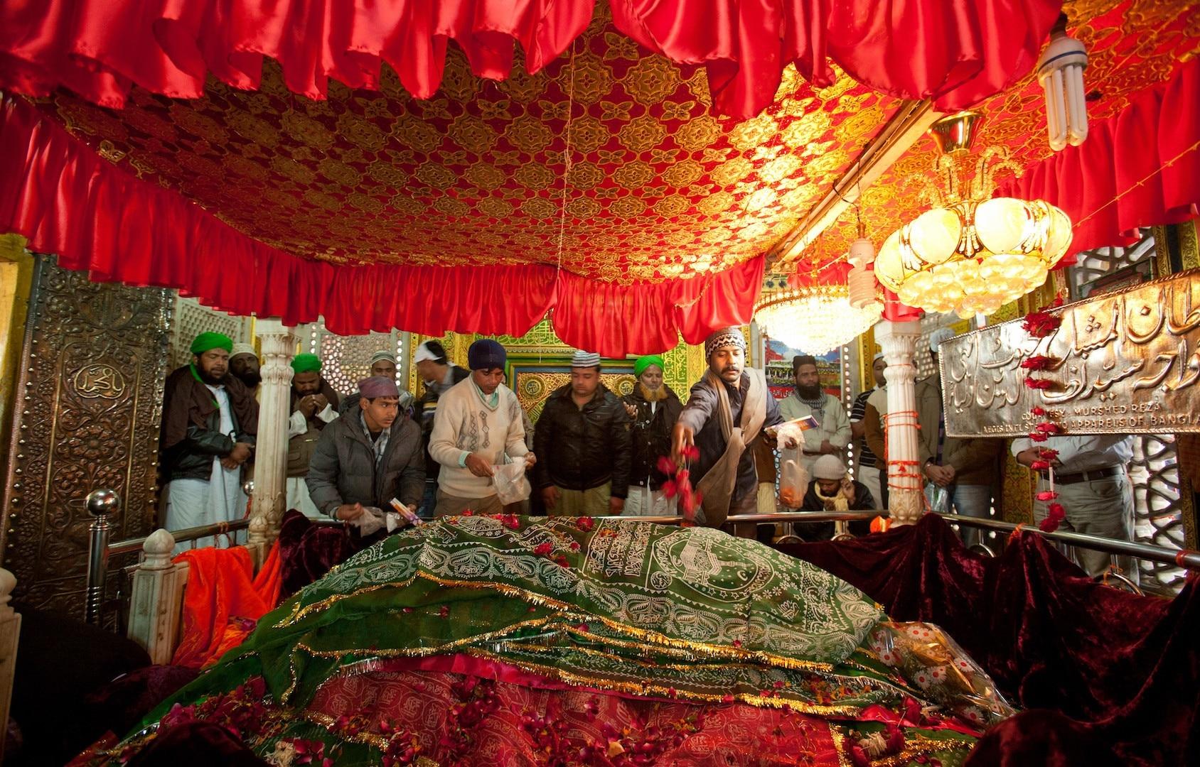 Nizamuddin Dargah, New Delhi, National Capital Territory of Delhi, India