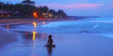 迪阿納普拉, 水明漾, 峇里, 印尼
