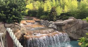 Geyser Falls Water Theme Park (veepark)
