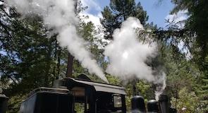 咆哮營鐵路