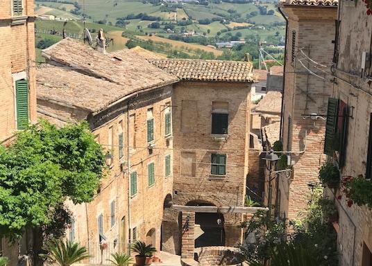 科里納爾多, 義大利