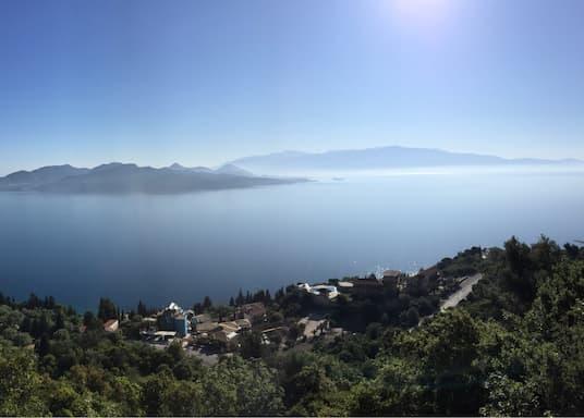 Нікіана, Греція