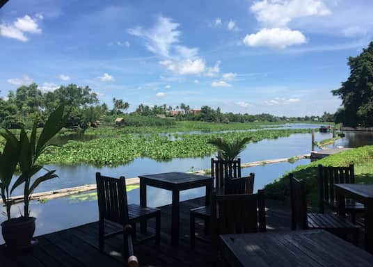 Yai Cha, Thailand