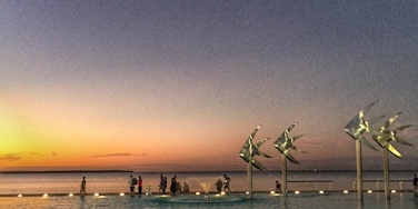 The lagoon is a great place to watch the sun setting in Cairns.   www.cheskiesgaplife.com  #colorful