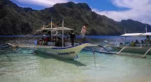หาด Caalan