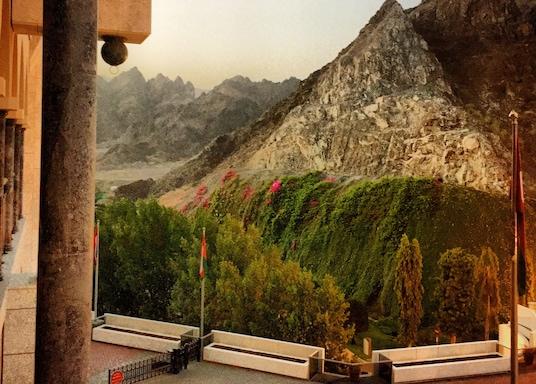 Al-Bustan, Oman
