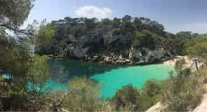 Makareljas līča pludmale