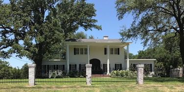 One of the houses renovated by Chip and Joanna Gaines of Fixer Upper