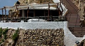 Xoroi Caves