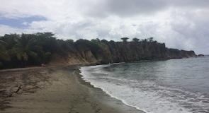 Spiaggia di Black Sand
