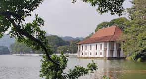 Kandy Lake