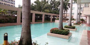 One of the first condo-living established by Megaworld 🏊   #sitevisit