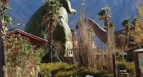 Сувенирный магазин-музей Cabazon Dinosaurs