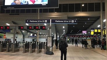 ビクトリア駅トラベル