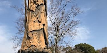 舘山寺の大観音。 安倍首相に似てると話題に。
