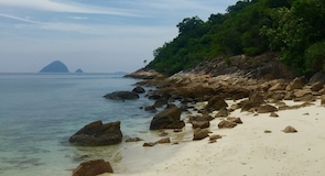 Pantai Cendrawasih beach