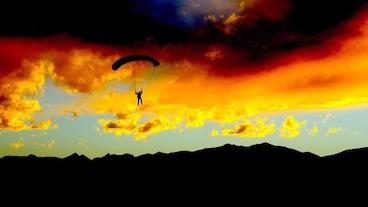 Mile-Hi-Skydiving/