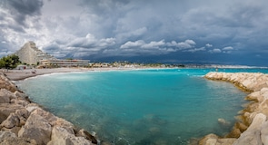 Pantai Villeneuve Loubet